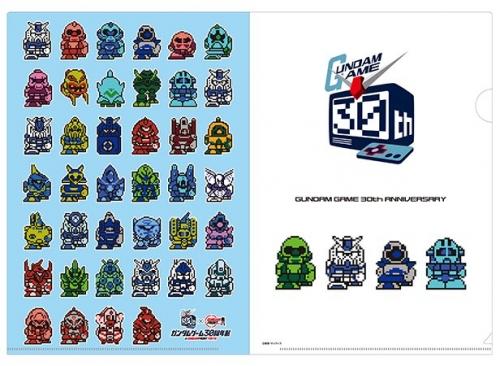 「ガンダムゲーム30周年展」限定グッズ8/27発売!Tシャツ「HOT SCRAMBLE」&「ガシャポン戦士」ほか!